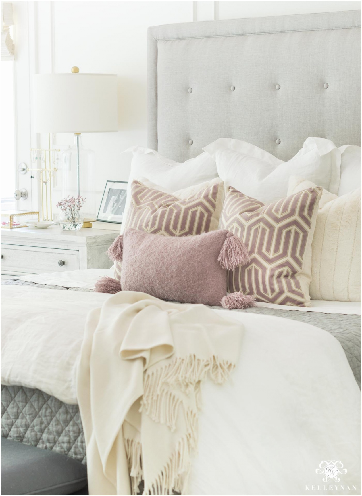 How to Mix and Match Bedroom Furniture Pieces