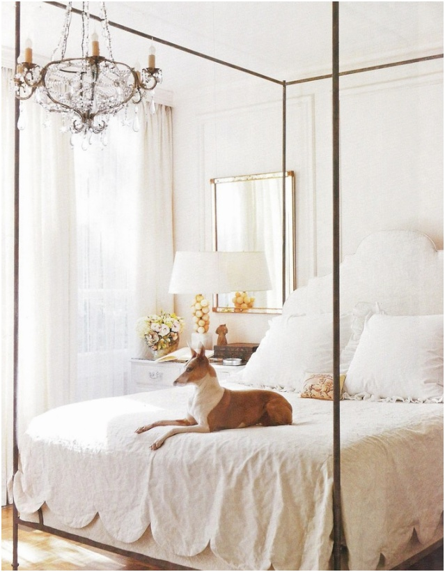 Ideas to Use Gold Mirrors in Bedrooms 6