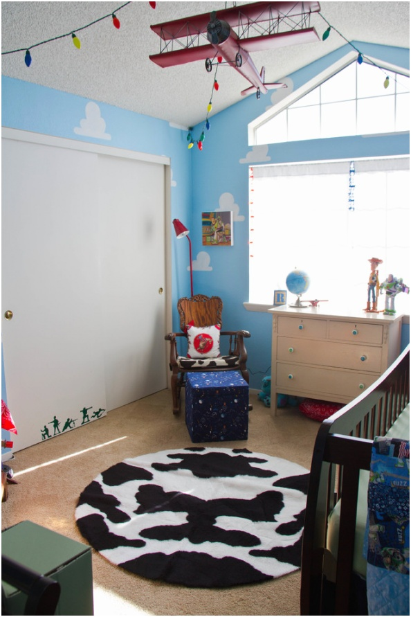 Chic little tikes toy chest in Kids Traditional with Boy Bedroom Ideas next to Fun And Young Kids Room alongside Teen Boys Bedroom Ideas andBoys Room Paint Ideas
