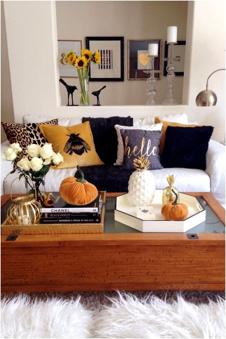 35 Easy Inexpensive Inspiring Fall Decor Ideas for Your Living Room Design 32