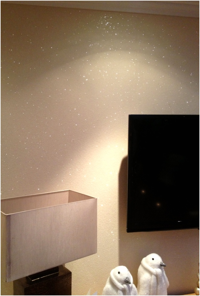 Glitter on bedroom wall Khq