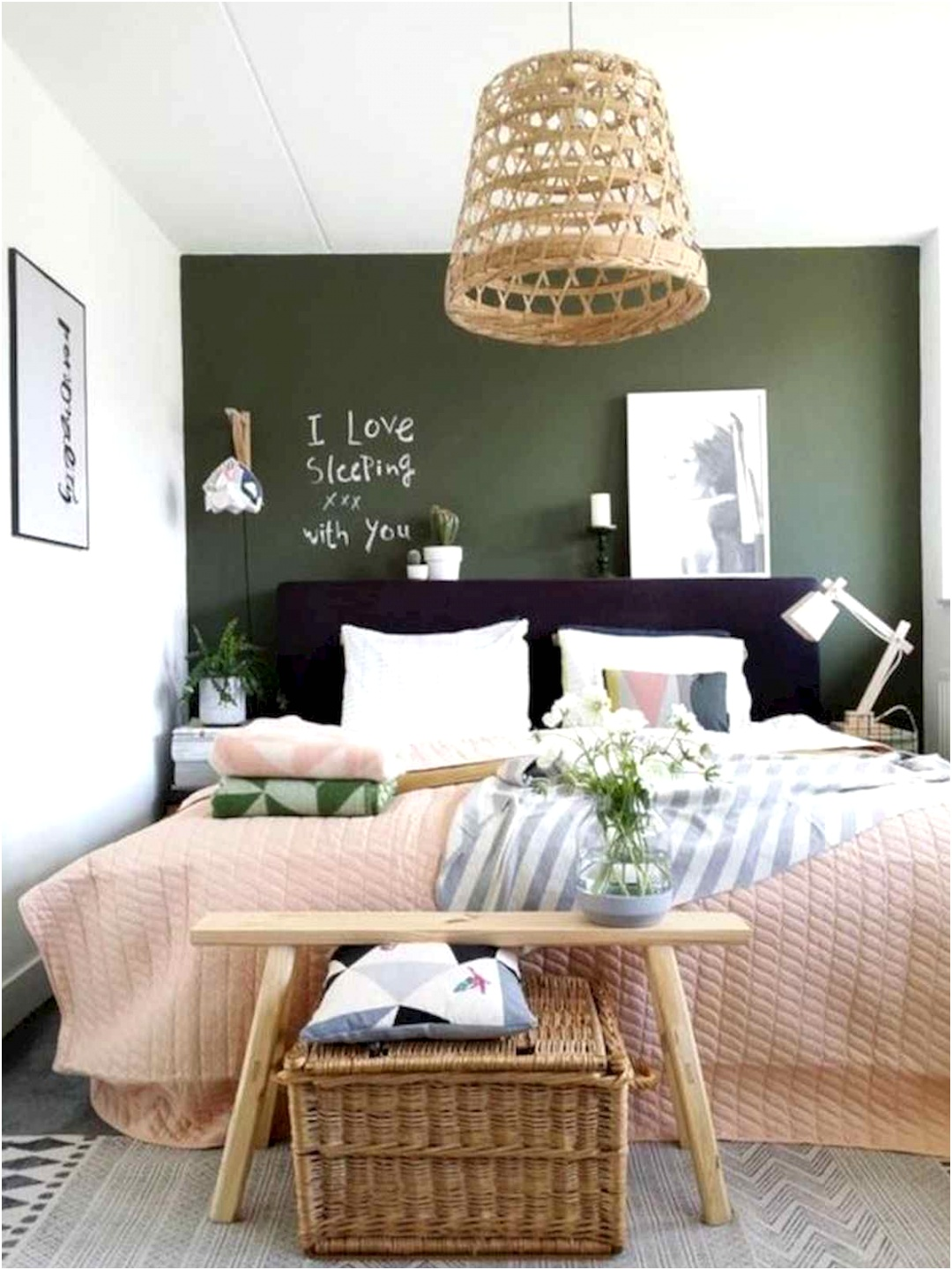 50 Stunning Small Apartment Bedroom Design Ideas and Decor 34