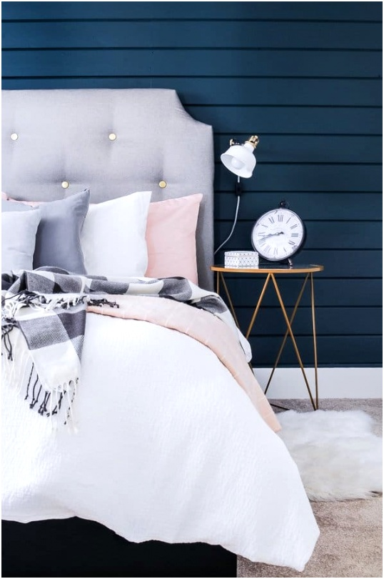 Small Bedroom Decorating Ideas on a Bud 1