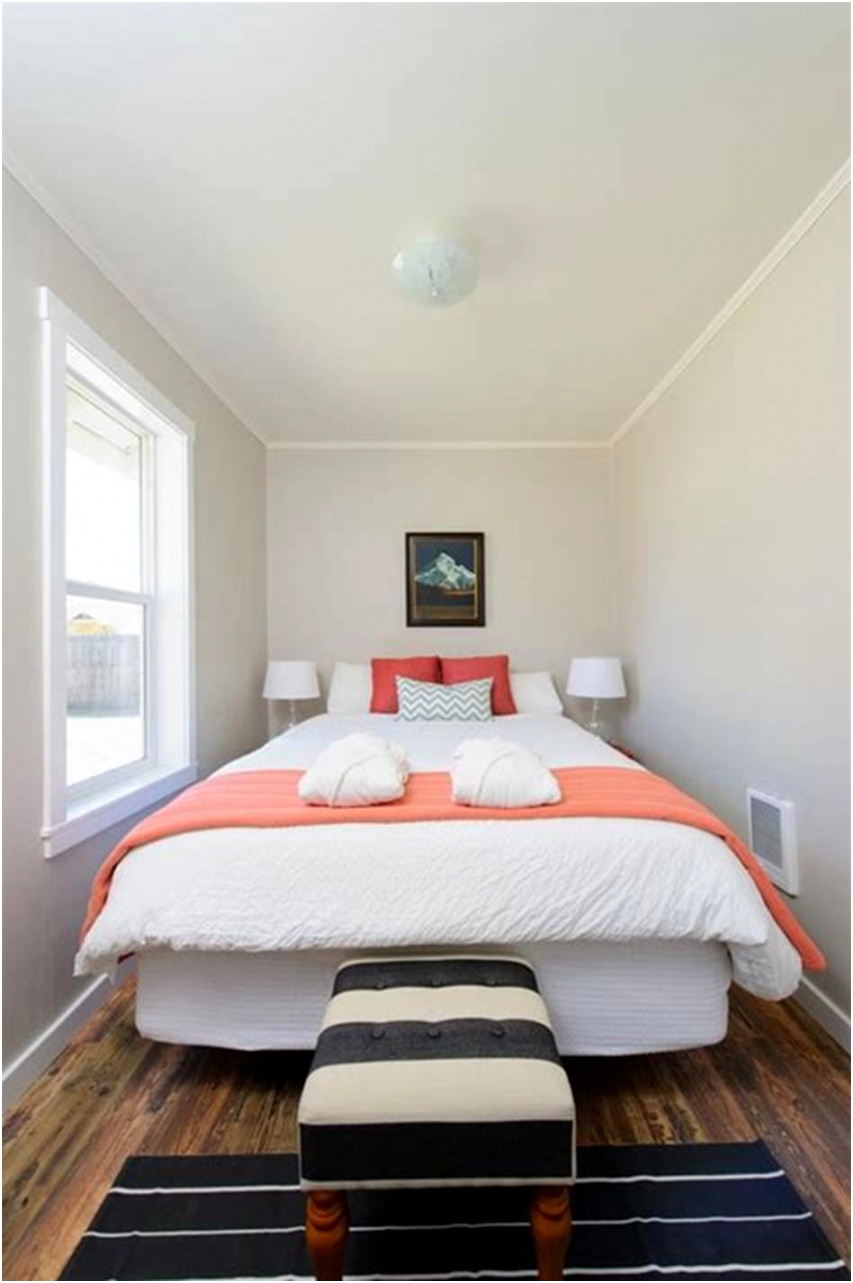 55 Amazing Small Master Bedroom Decorating Design Ideas on a Bud 38
