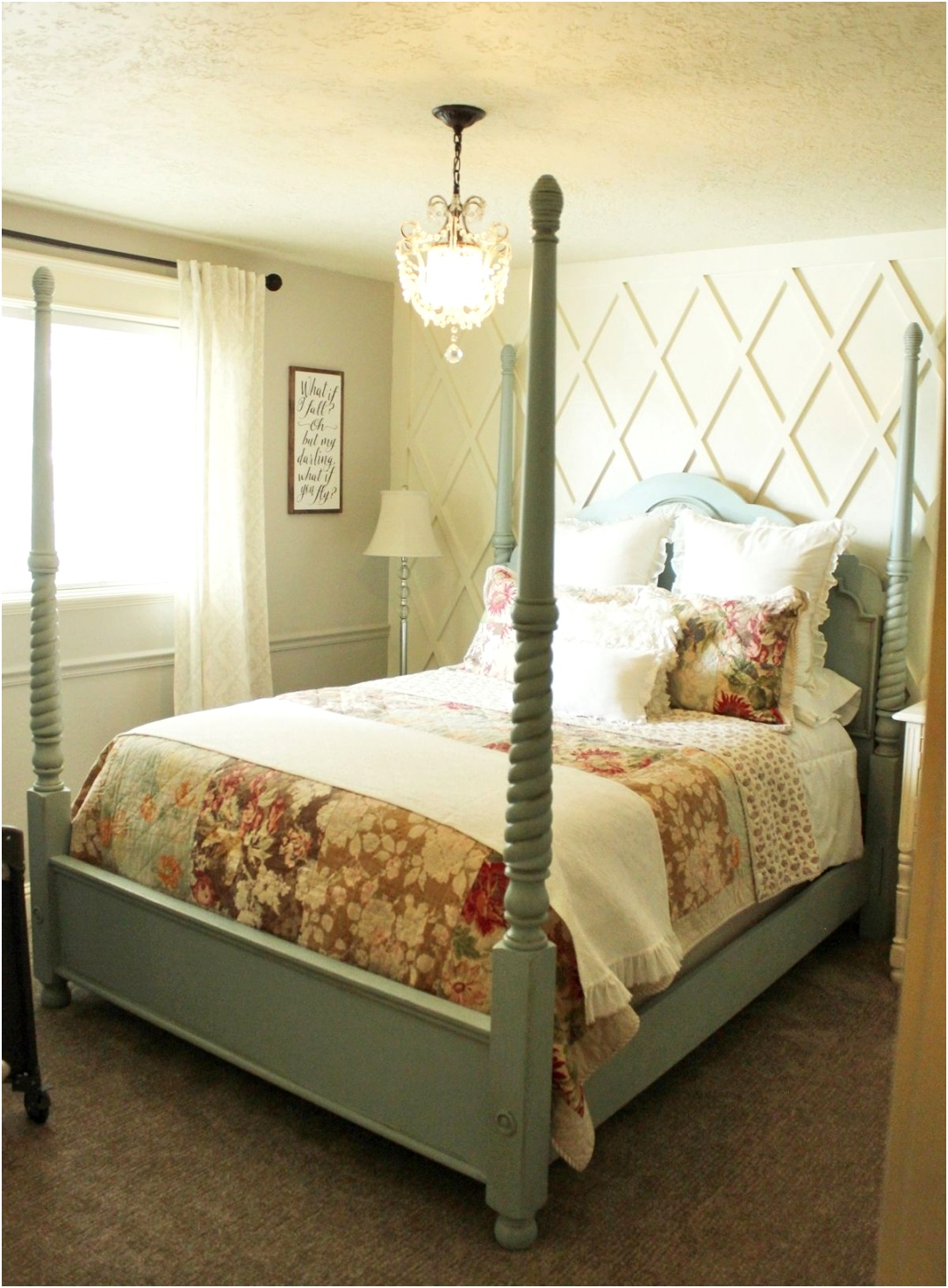 How to decorate a master bedroom ballance with walls