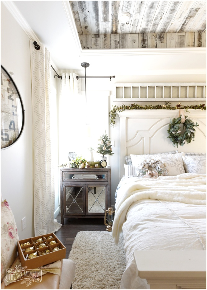 French Country Farmhouse Christmas Bedroom 5